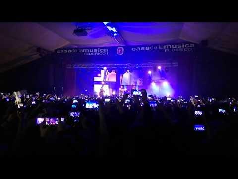 Måneskin - Torna a Casa | Live Napoli