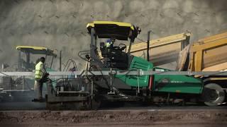 VÖGELE SUPER 2100-3 - Wegweisender Straßenbau auf 150 km Länge