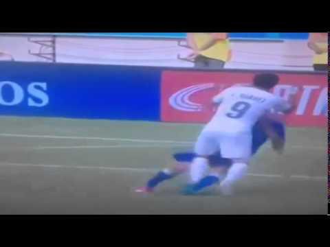 """Luis suarez cắn Chiellini bản full Luis Suarez BITES Chiellini """"World Cup 2014"""""""