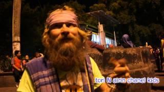 Music Country Road Mr Padiyo The Best Indonesia Pengamen Lucu di Jalan Malioboro Yogyakarta