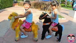หนูยิ้มหนูแย้ม   ขี่ม้า vs ขี่อูฐ