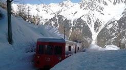 Auf winterlichen Gleisen dem Mont Blanc entgegen