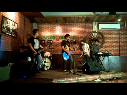 The Tiren Chicken - Cause I Will Always Love You (Live at Beer House Jatinegara)