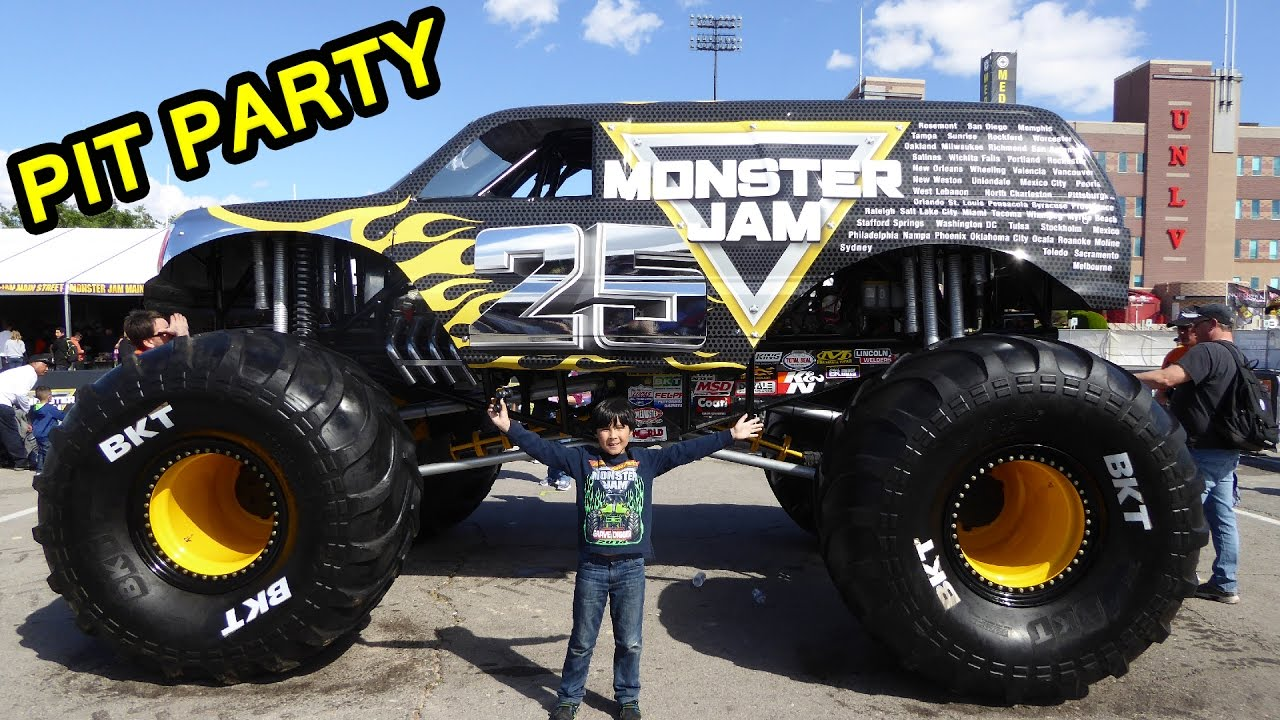 Monster Jam World Finals Xviii Awesome Pit Party Youtube