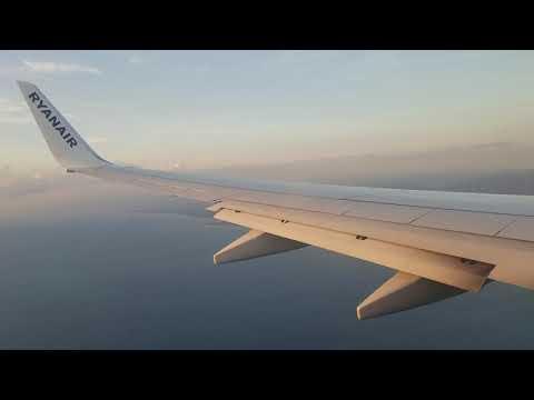 Ryanair Boeing 737-800 Landing In Pisa Italy
