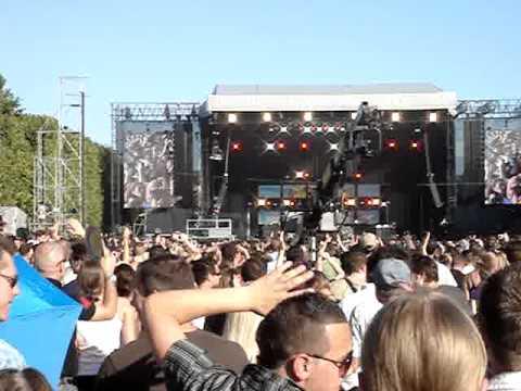 Bob Sinclar - world hold on (live Paris 2007)