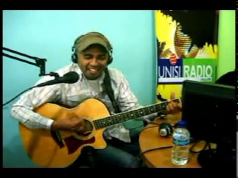 Glenn Fredly Live At Unisi Radio For VOTE (Voice From The East)