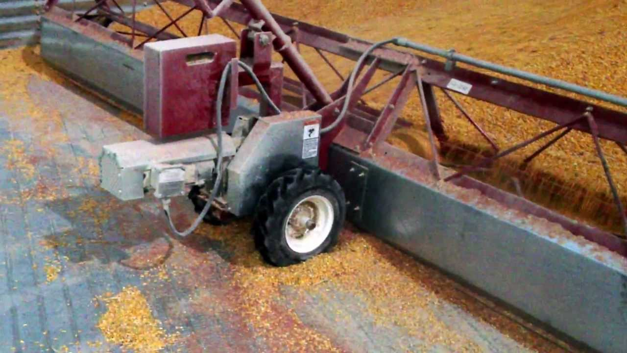 Sudenga sweep auger in 90' bin