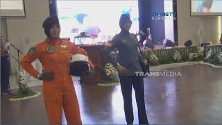Fashion Show Prajurit TNI AL Mengenakan Hijab