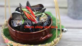 Coconut mussels with lemongrass (Chem chép xào dừa)
