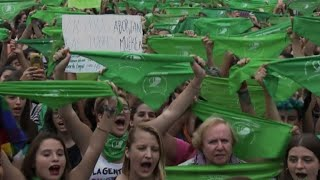 Argentine pro-abortion campaigners adopt green hanky as symbol