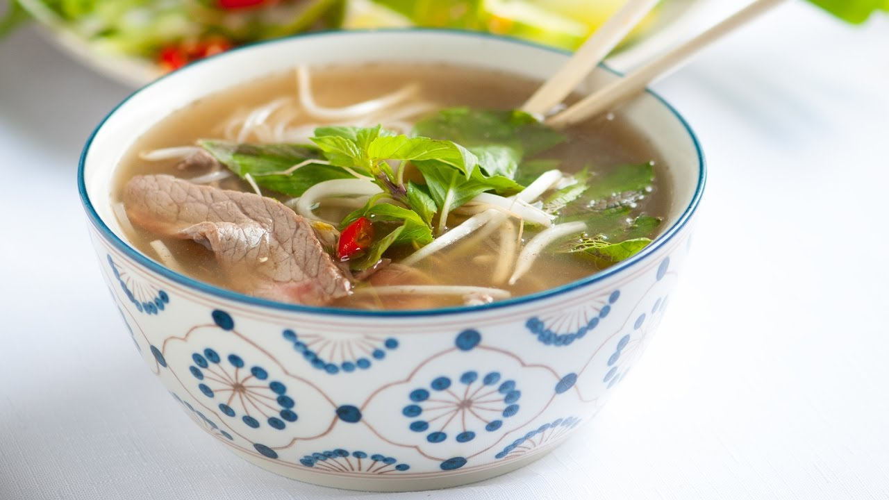 Homemade Vietnamese Pho Soup RecipeHow to Make Beef Pho Noodle