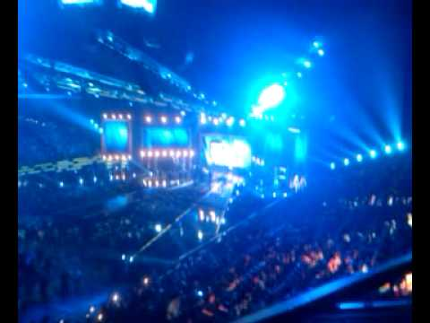 Commercial break during the 2010 CMT Music Awards