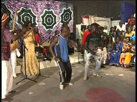 """1 MAN 4 DRUMS"" GTV GAMBIA TELEVISION - ""UN SORRISO PER L'AFRICA"" ONLUS vol.2"