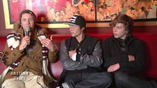 EMBLEM3 TALK BLINK-182 INFLUENCE AND RUBBING ELBOWS WITH UK X FACTOR PHENOMS ONE DIRECTION
