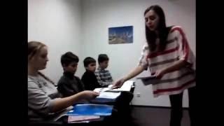 Урок английского языка в группе для детей от 12-14 лет Los Angeles English School