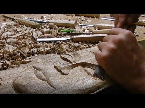 Je m'entraine a la sculpture sur bois/wood carving training