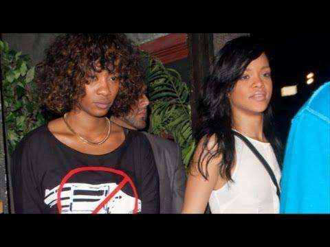 Rihanna is dating a GIRL