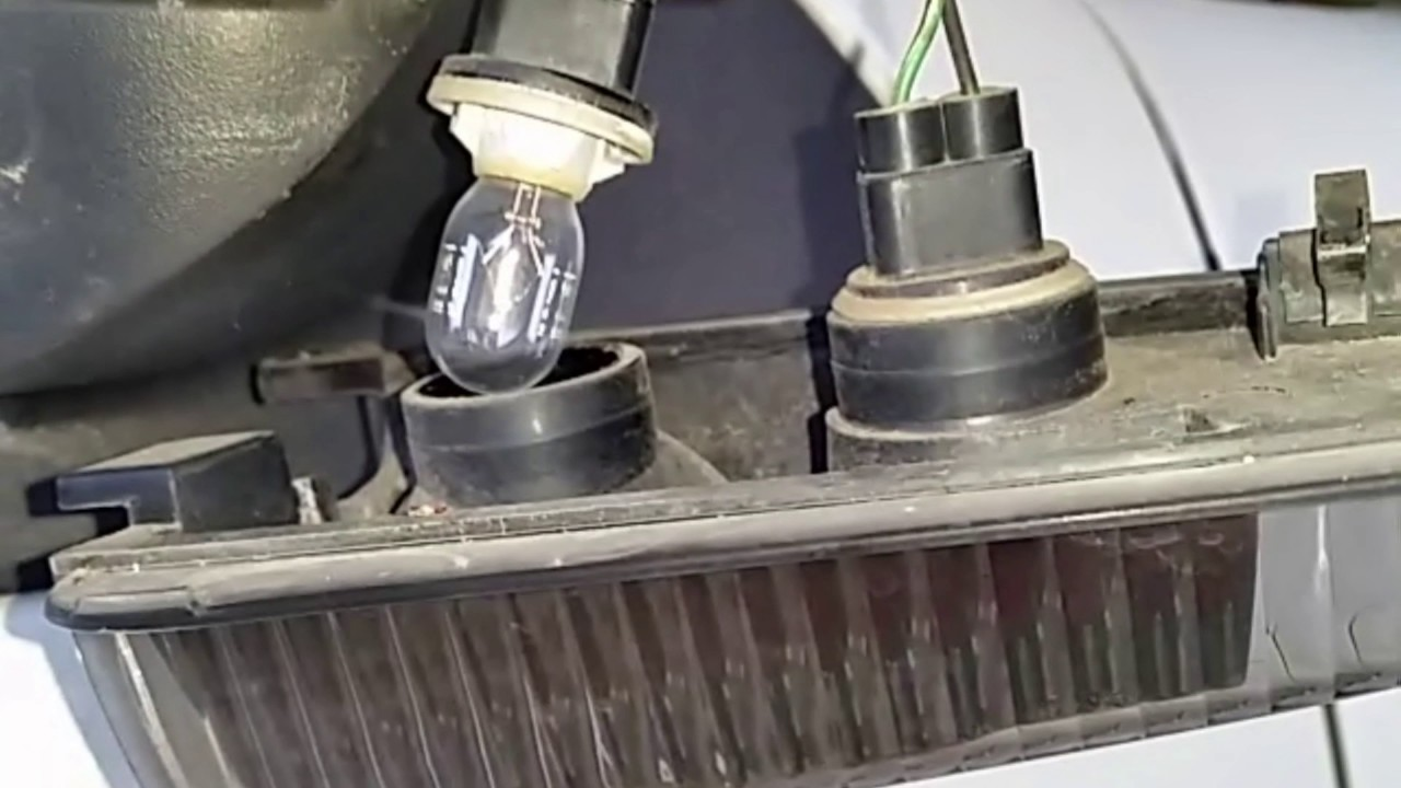 2006 Ford Expedition Puddle Lamp Install Youtube 2004 Wiring Diagram For Lighting