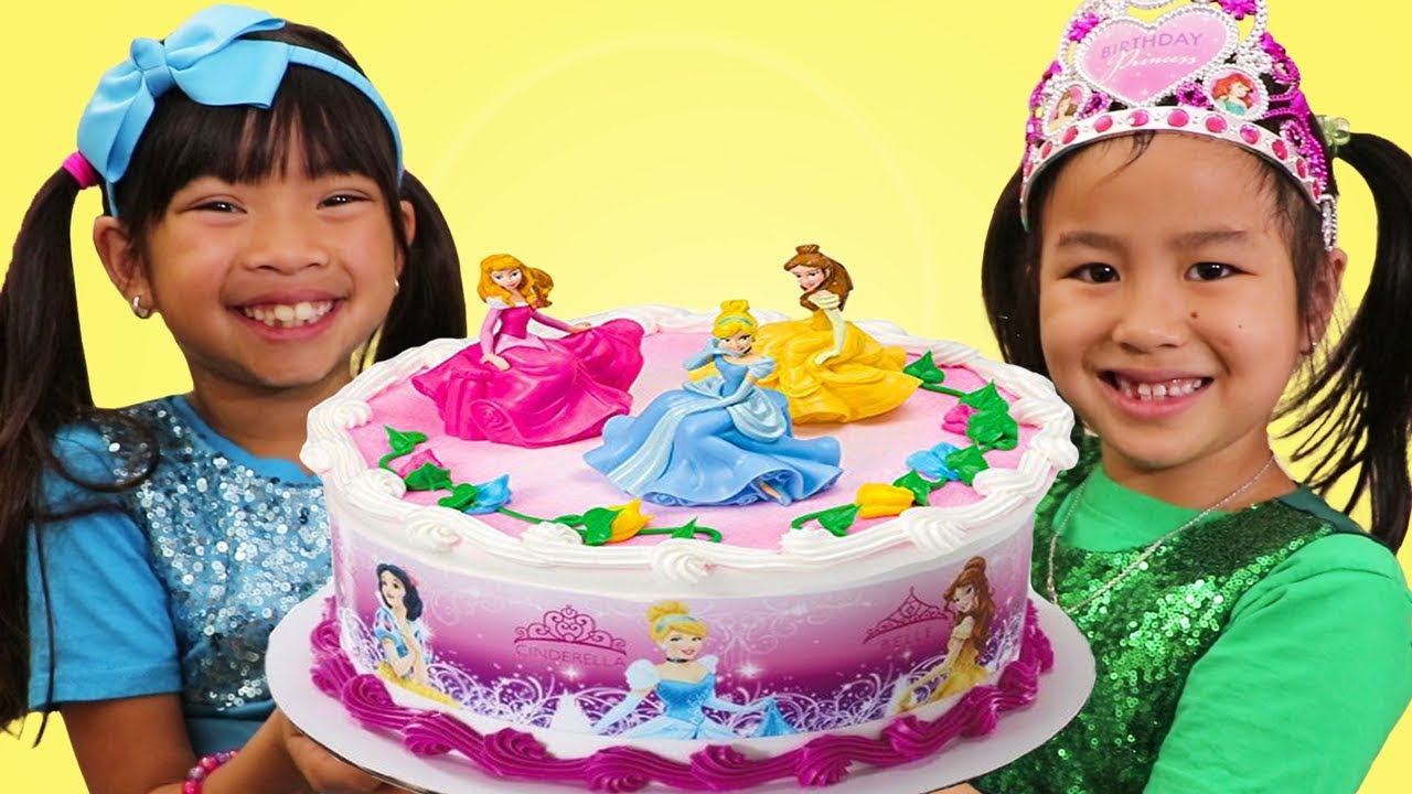 Emma & Jannie Pretend Play w Happy Princess Birthday Cake Surprise Party Toys