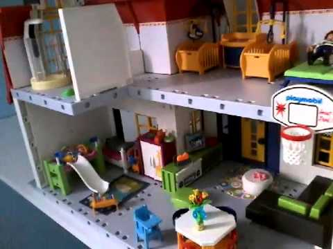 presentation de la grande maison playmobil meubl