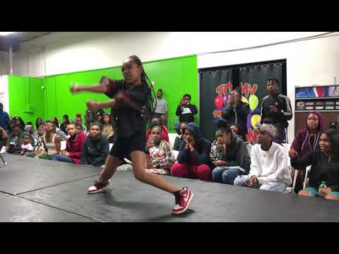 These LIL GIRLS know how to DANCE! l Tommy the Clown | OfficialTsquadTV l