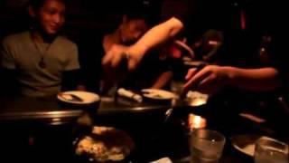 Osaka - Okonomiyaki shop - 01 / 04(, 2011-10-23T12:58:06.000Z)