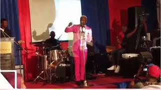 Angalia Harmonize akipafom ngoma yake ninoma sana hawa ndo WCB wasafi