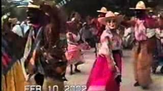 01 Juxtlahuaca Oaxaca México - Fiesta de Carnaval 2002 - Danza de Los Rubios La Montaña