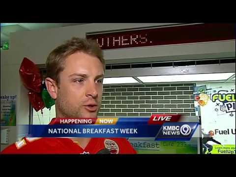 Chiefs Dustin Colquitt helps celebrate school breakfast program
