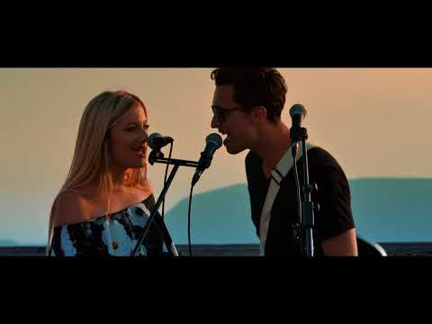 Laura Corini feat Victor Marc (Live session - Cover Location by Khalid)