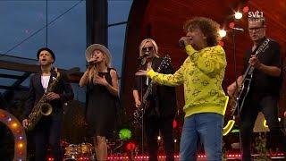 Magnus Uggla - Varning På Stan & Värsta Grymma Tjejen (Live