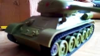 Розпакування танка Т-34 на пульти управління