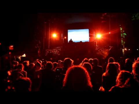 Biosphere @ Warandepark, Brussels. The seal and the hydrophone live at Brussels (extract)