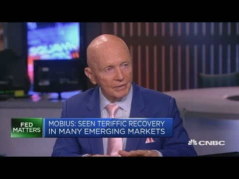 Hard Brexit will benefit UK and emerging markets, Mark Mobius says | Squawk Box Europe