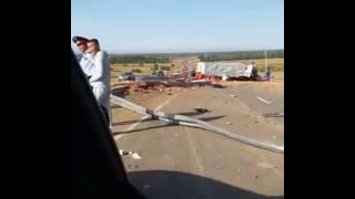 Алматы - Талдыкорган. ДТП. Перевернулся грузовик набитый луком. Водитель погиб.