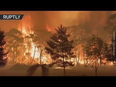 70 meter high bush fires rage in Australia