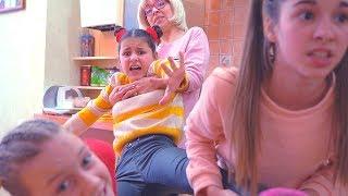 Детей НЕ ПУСКАЮТ ГУЛЯТЬ-Подруги ЗАКРЫЛИ Тетю в ШКАФУ