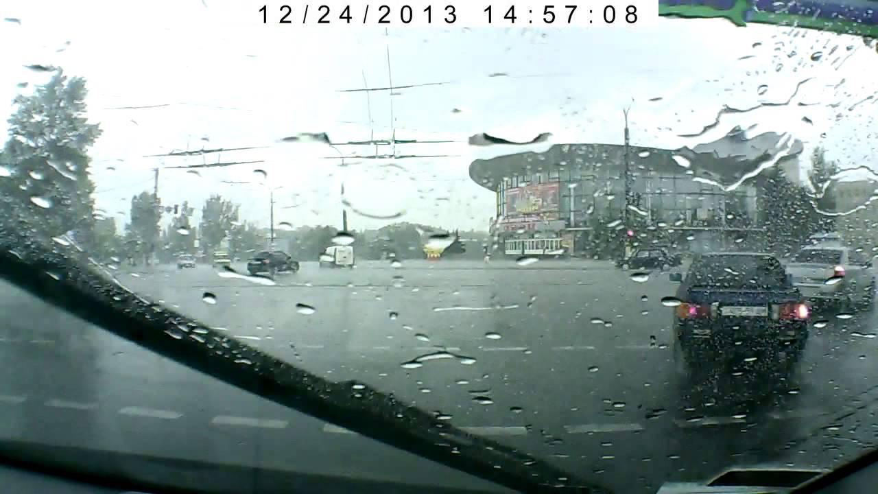 Видеорегистратор Gazer H515 Авария проморгала желтый свет Луганск