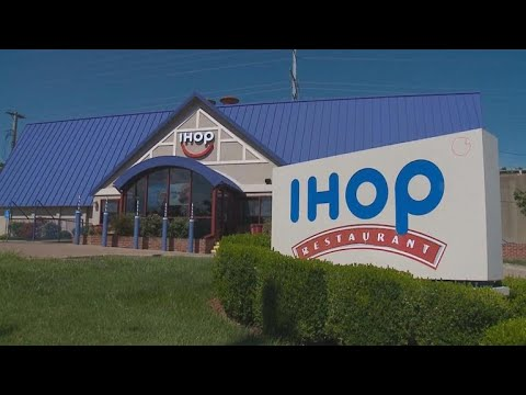 Police apologize after accusing black teens of IHOP 'dine and dash'