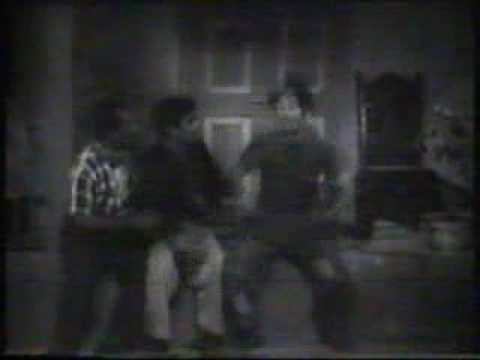 Jaalsaaz (1959): Ye bhi hakka, hakka bakka