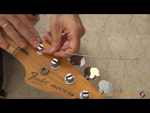 Download Youtube: Cambiare le corde al basso elettrico