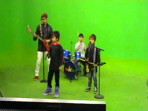 Alif & Radja cilik & Moldy - Ibadah @ Roti Bakar JAKTV 07 Agustus  2011