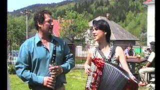 Heligonka,  Pod tou naší starou lípou a Pojďte se k nám podívat zahráli Juroškovi v roce 1997 v Oščadnici