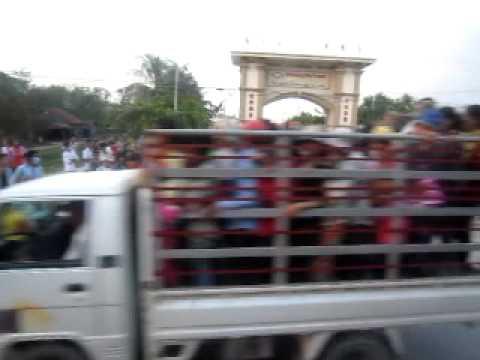 Campuchia kí sự ngắn trong chuyến đi xe bus
