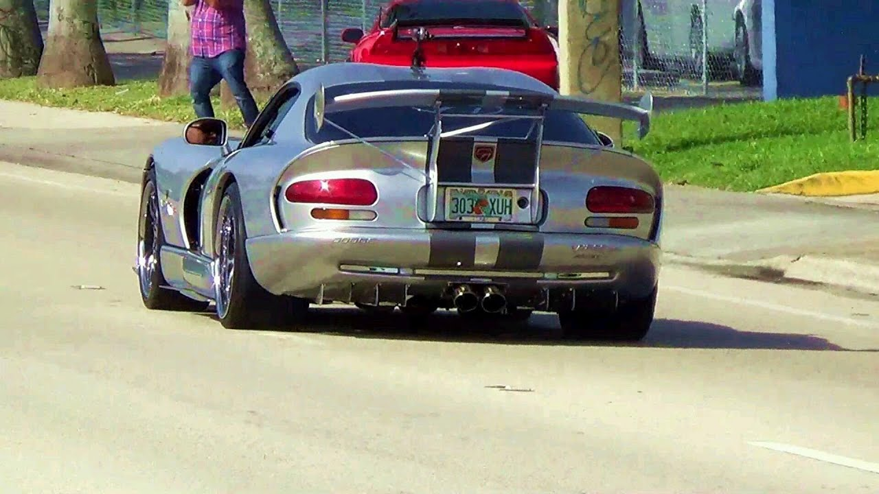 Dodge Viper Acr >> LOUD Dodge Viper GTS ACR hard accelerating, lovely sound ...