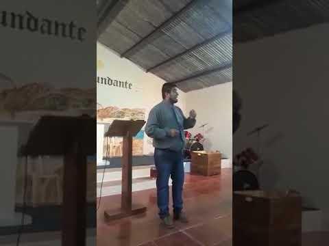 Evangelista David Retamoso en centro de restauración familiat