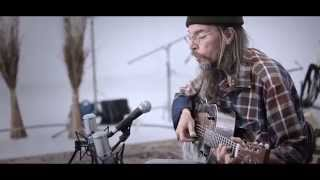 "The White Wall Sessions Season 2  Charlie Parr ""On Marrying A Woman With An Uncontrollable Temper"""