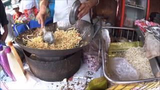 26.1 Очередная уличная Индийская еда. Лапша - макароны с овощами и соусом