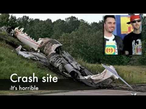 Travis barker DJ AM Plane crash - YouTube